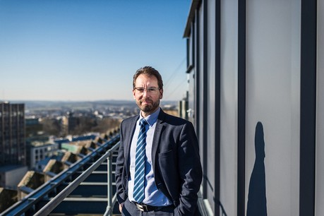 La première année de l'Agence spatiale luxembourgeoise a été chargée pour son directeur, Marc Serres, et la quinzaine de personnes qui l'entourent... mais la deuxième le sera tout autant, prédit-il. (Photo: Mike Zenari pour la LSA)