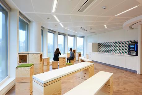 Les nouveaux aménagements d'AXA Lux :  vers une nouvelle manière de concevoir les espaces de bureaux . (Photo:  C&W Design+Build )