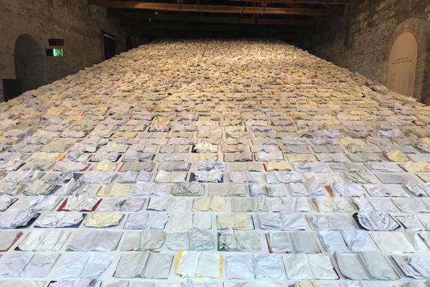 «Written by Water» saisit le visiteur lors de la découverte du pavillon luxembourgeois à la Biennale de Venise. (Photo: Paperjam)