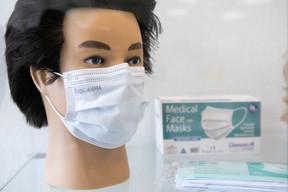 Les masques de Textilcord se vendent à 20 centimes l'unité. ((Photo: Matic Zorman/Maison Moderne))