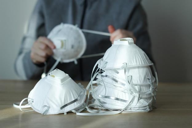 Le gouvernement rappelle des lots de masques FFP2 non conformes ayant été distribués aux dentistes. (Photo: Shutterstock)