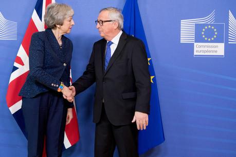 Theresa May et Jean-Claude Juncker se sont parlé au téléphone. Leurs prochaines rencontres (ici, le 7 février dernier à Bruxelles) risquent encore d'être glaciales. (Photo: Commission européenne / services audiovisuels)