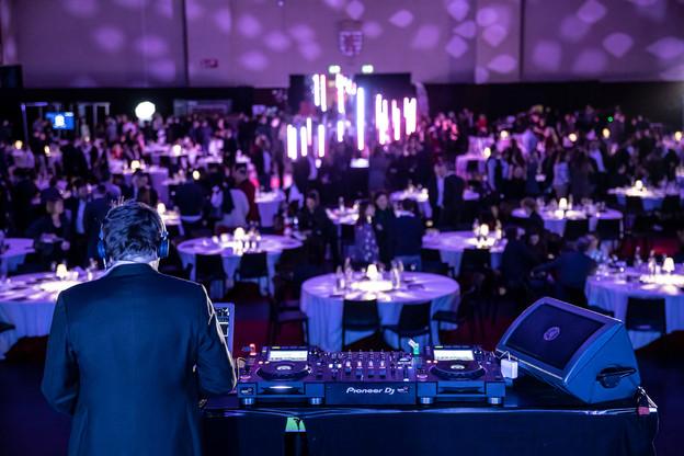 Pour assurer l'ambiance musicale des Media Awards 2020, le DJ Kuston Beater s'est vu confier les platines. (Photo: Jan Hanrion / Maison Moderne)