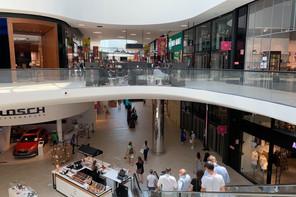 Les ménages luxembourgeois envisagent à nouveau de reporter de gros achats. (Photo: Paperjam)