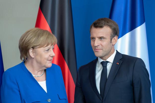 Lassée des mesures régionales incohérentes et des discussions sans fin autour de celles-ci, Angela Merkel a repris la main via la loi «coup de frein d'urgence». Emmanuel Macron a, ce lundi, estimé illusoire la réouverture de l'horeca fin mai là où le virus circule beaucoup. (Photo: Shutterstock)