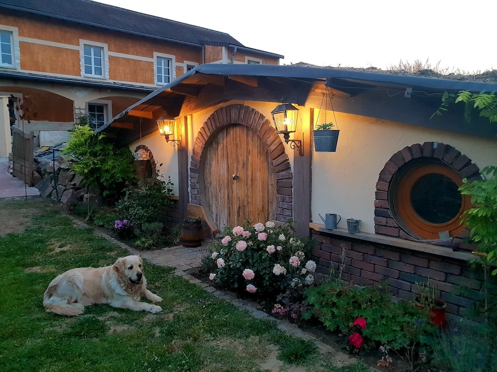 """The room, """"Shire, the hobbit-hole"""". (Photo: Middle-earth)"""