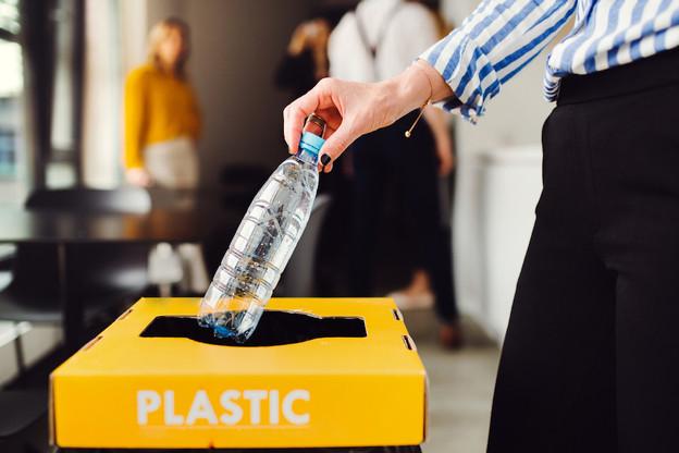 La SuperDrecksKëscht (SDK), le service de gestion des déchets, offre des conseils et services pour optimiser la collecte des déchets, faire en sorte que leur gestion soit conforme et améliorer la prévention pour diminuer la quantité et la toxicité des déchets. (Photo: Shutterstock)