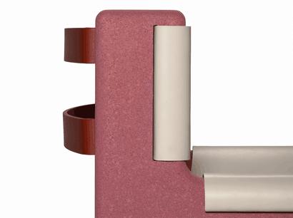 Parmi les nouvelles créations, la chaise Bold, qui combine magistralement liège, acier et cuir. (Photo: Dante – Goods and Bads)