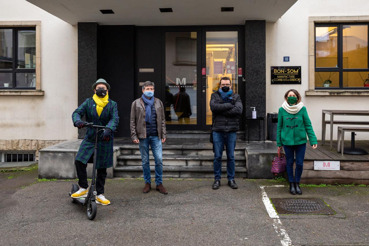 Fabien Rodrigues, Jean-Michel Lalieu, Nicolas Léonard et Catherine Kurzawa ont testé quatre moyens de locomotion différents sur un même trajet. (Photo: Romain Gamba / Maison Moderne)