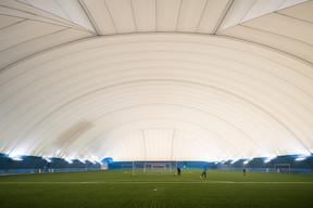 À l'intérieur de l'«Air Dome», on retrouve une très grande surface de jeu. ((Photo: Nader Ghavami))
