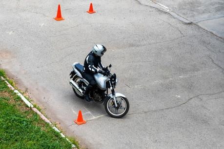 À partir de l'analyse des données de pilotage des KTM, Motion-S est capable de construire un modèle d'assurance qui colle au plus près au profil du motard. La start-up luxembourgeoise est en finale contre un autre projet. (Photo: Shutterstock)