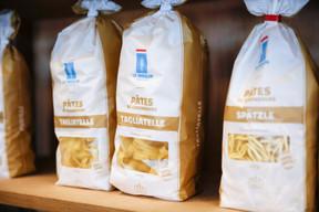 Le packaging est pensé pour faciliter la reconnaissance des sortes de pâtes ou de farine, l'usage que le client peut en faire ou encore le temps de cuisson à respecter. ((Photo: Romain Gamba/Maison Moderne))
