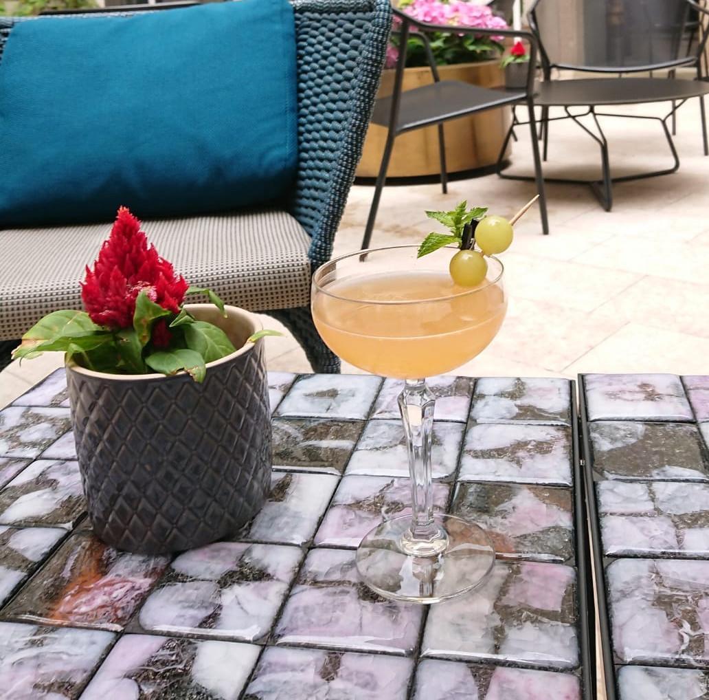 Une coupe fraîche et estivale, «L'Apéro de Suzie» est parfait pour l'afterwork. (Photo: Hôtel Le Place d'Armes)