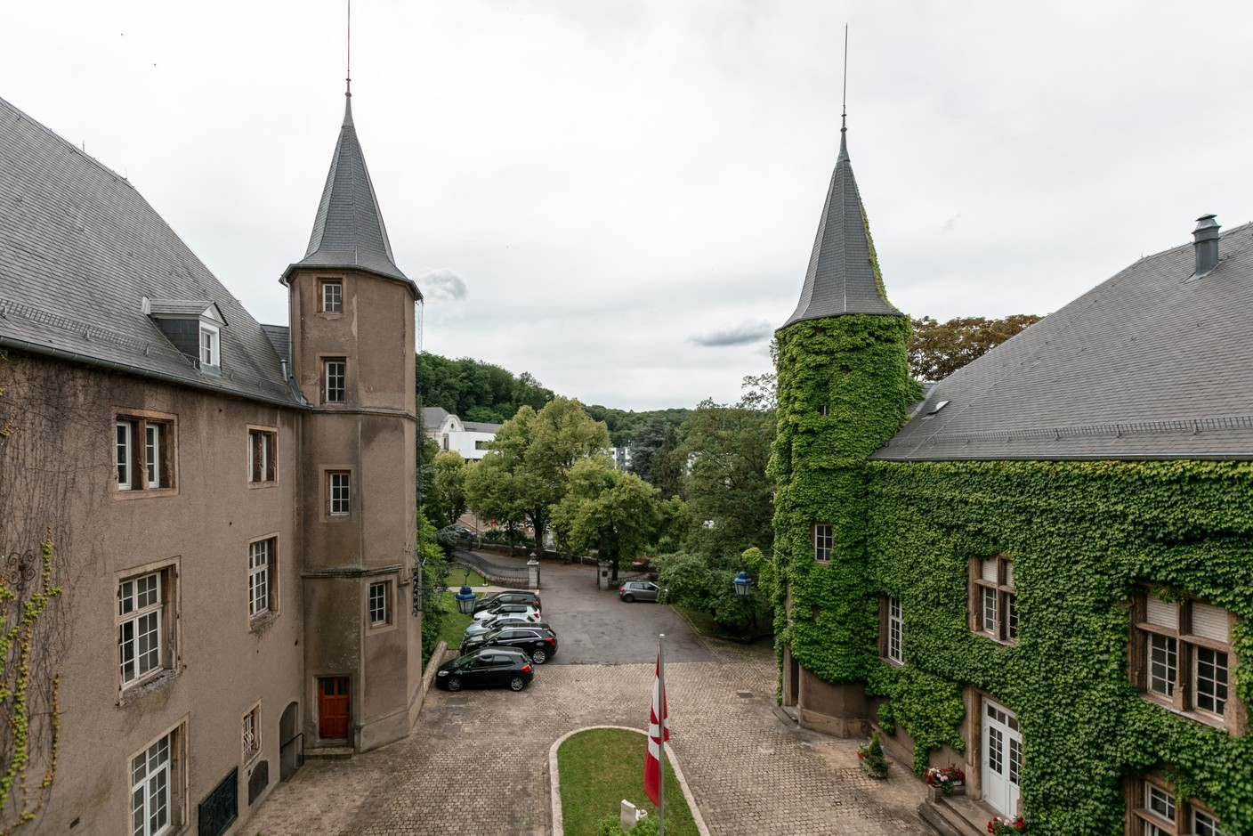 The main courtyard as seen from the second floor. Romain Gamba / Maison Moderne