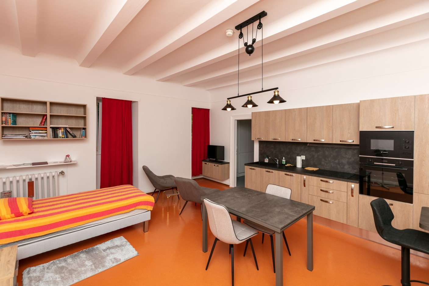 One of the modernised flats for staff living Romain Gamba / Maison Moderne