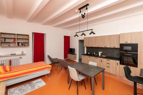Un des appartements modernisés pour le logement du personnel. ((Photo: Romain Gamba/Maison Moderne))
