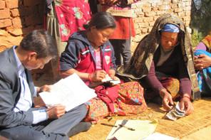 Son PNB classe le Népal parmi les 10 pays les plus pauvres du monde.  Muktinath Bikas Bank Ltd .vise à aider les ménages et les femmes à faibles revenus dans les zones rurales. (Photo: European Microfinance Award)