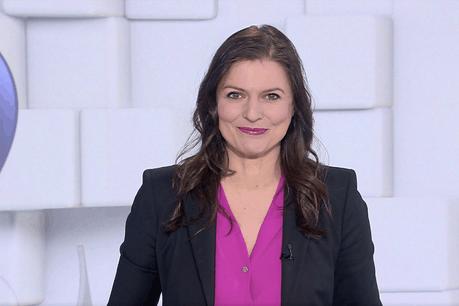 Nathalie Reuter a présenté son dernier journal TV dimanche 31 mars. (Photo: Capture d'écran / RTL)