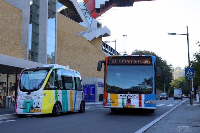 Le City Shuttle vient en complément des bus traditionnels, pour des parcours qui ne sont pas desservis faute d'une clientèle suffisante. (Photo: Michaël Gounon/Navya)