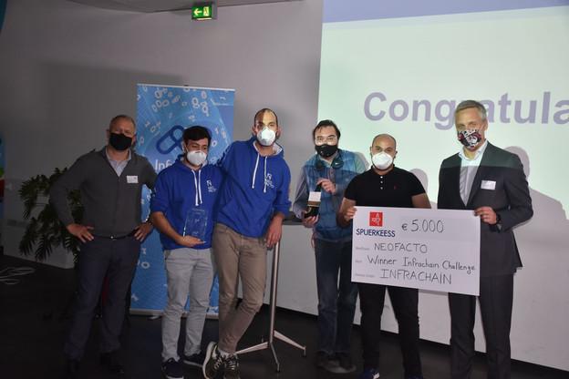 L'équipe de Neofacto a remporté le premier challenge organisé par Infrachain pour digitaliser les services publics. (Photo: Infrachain)