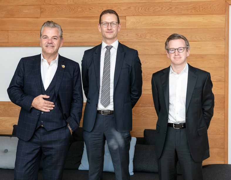 In June 2020, neither John Parkhouse, CEO, nor Olivier Carré, financial services market leader, nor François Mousel, clients and markets leader, expected PwC Luxembourg to experience such a strong financial year. Photo: Romain Gamba/Maison Moderne