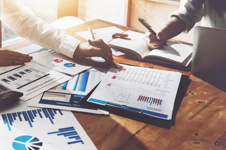 Un auditeur peut gagner de 38.000 à 65.000 euros brut par an selon son expérience et un contrôleur peut prétendre jusqu'à 98.000 euros, selon l'étude de Robert Half. (Photo: Shutterstock)