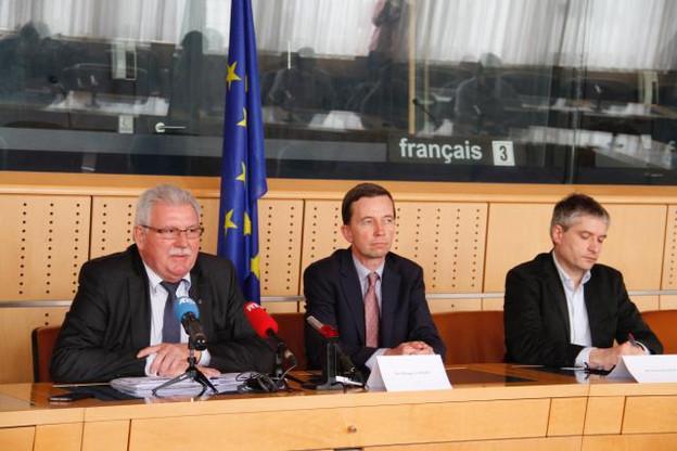 Werner Langen, Bernd Lucke et Sven Giegold ont bouclé leur mission d'observation au Luxembourg. Il reste en revanche du travail à faire. (Photo: Maison Moderne)