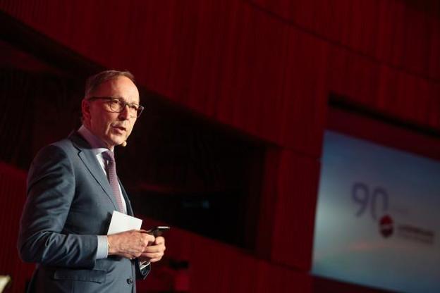 «Le monde change très rapidement, insiste cependant le responsable. Il faut pouvoir s'adapter en permanence» a souligné Robert Scharfe, CEO de la Bourse de Luxembourg. (Photo: Matic Zorman)