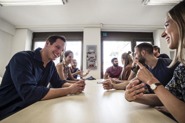 Les deux fondateurs de Talkwalker (ici à gauche, Christophe Folschette) ont su s'entourer de profils de pointe. (Photo: Mike Zenari)