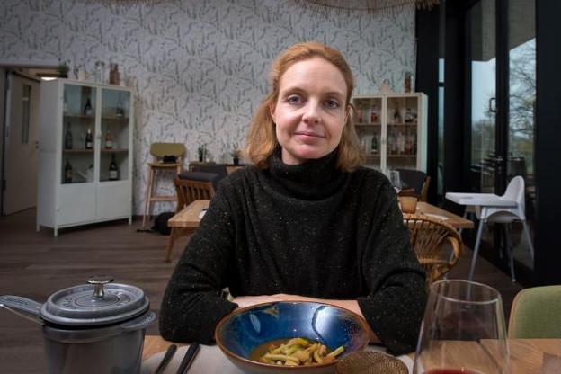 Anne Simon: «Dans la culture comme dans la gastronomie, je constate une certaine institutionnalisation. Les initiatives marginales, underground ont du mal à exister et subissent le poids des charges.» (Photo: Nader Ghavami)