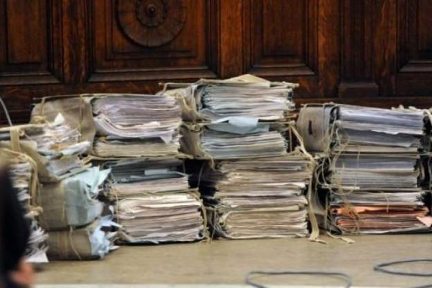 Certaines pièces du très volumineux dossier dit KB-Lux étaient-elles entachées de vices? Les actes policiers sont prescrits et l'action publique éteinte.  (Photo: RTBF.be)