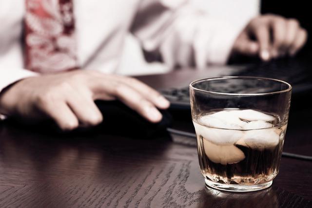 Pour Pierrot Schiltz, une loi interdisant purement l'alcool et les drogues sur le lieu de travail «pourrait régler le problème une bonne fois pour toutes». (Photo: DR)