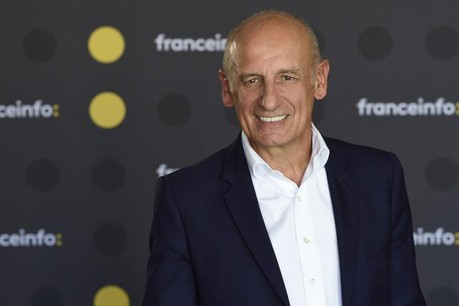 Jean-Michel Aphatie craint que la France ne paie le prix fort de son instabilité politique.  (Photo: Radio France / Christophe Abramowitz)