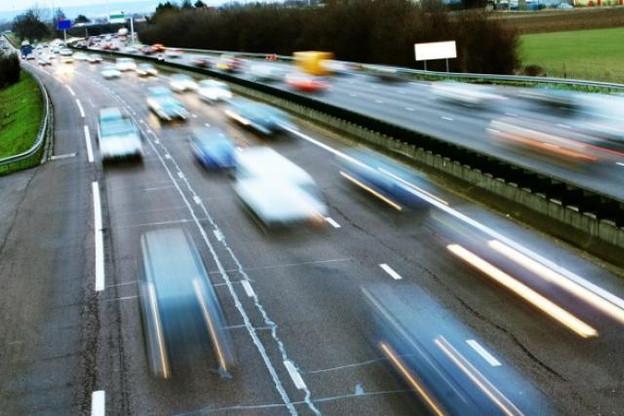 Le Méco estime qu'il vaudrait mieux investir dans les transports publics plutôt que de miser sur l'élargissement des autoroutes A3 et A6. (Photo: DR)