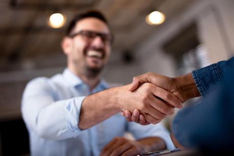 Les moins de 30 ans sont ceux qui profitent le plus de la baisse du chômage. (Photo: Shutterstock)