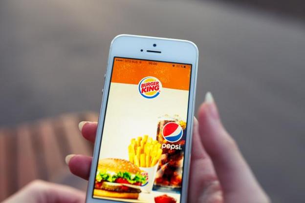 Du 4 au 12 décembre, il est possible de commander un Whopper pour un centime, à condition de se trouver à moins de 15 mètres d'un McDonald's. (Photo: Shutterstock)