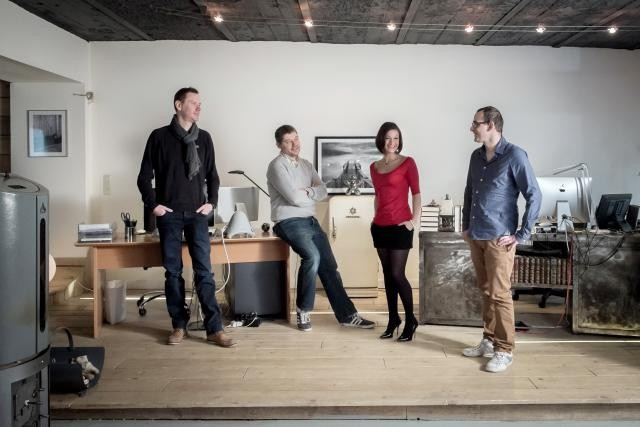 Joël Heyard et Aaron Baustert (Mayfex) entourent Alexandre Gilbert et Vanessa Leiritz (Soundtastic). (Photo: Jessica Theis)