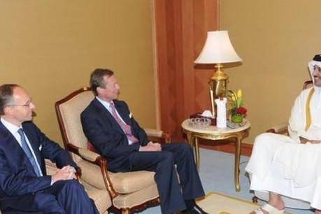 S.A.R. le Grand-Duc et Luc Frieden reçus début mai par S.A.R. le prince héritier du Qatar, Sheik Tamim Bin Hamad Al Thani.  (Photo: govQatar)