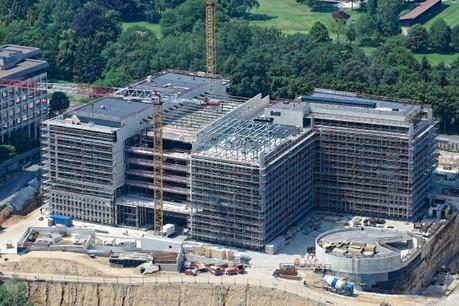 Plus de 30.000m2 hors-sol et 45.000m2 de sous-sol sont actuellement en construction. (Photo: Ferrero International)
