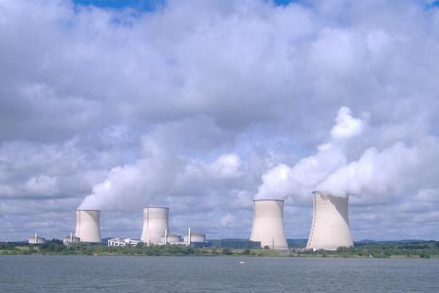 Située à un jet de pierre de la frontière luxembourgeoise, la centrale de Cattenom – dont son plus ancien réacteur a 30 ans – pourrait voir son activité prolongée. (Photo: Licence C.C.)