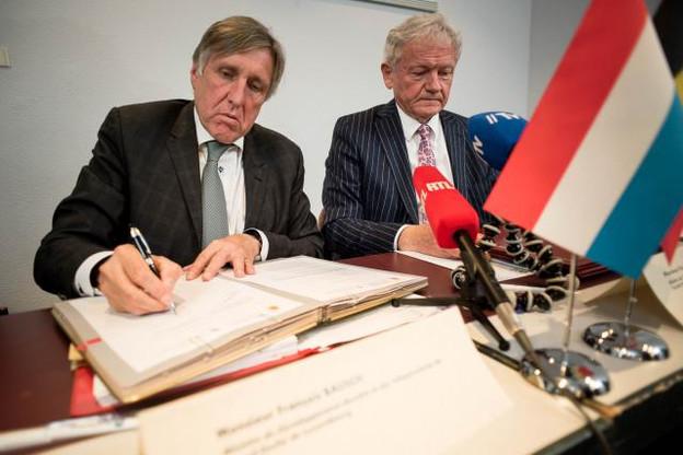L'accord de gouvernement prévoit une «collaboration plus ciblée» pour améliorer la liaison ferroviaire Bruxelles-Luxembourg. Les deux ministres compétents, François Bausch (L) et François Bellot (B) devraient se revoir prochainement. (Photo: Nader Ghavami / archives)