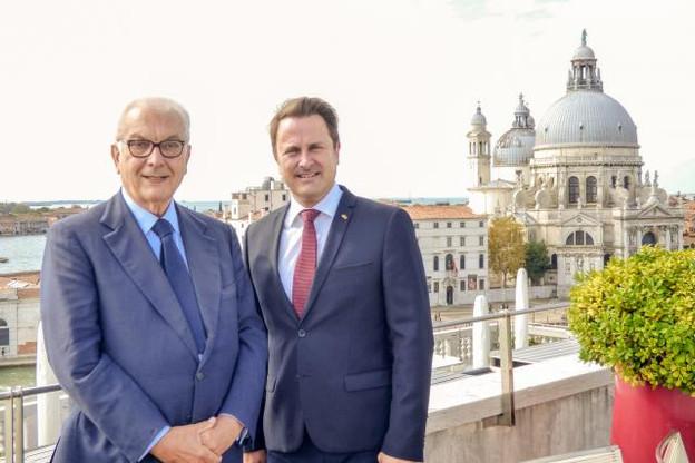 Paolo Baratta et Xavier Bettel lors de leur entrevue à Venise pour la signature du bail à l'Arsenale. (Photo: ministère de la Culture)
