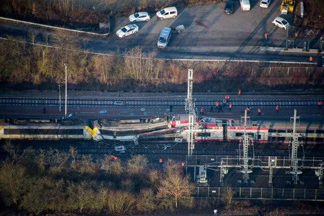 Selon le dernier bilan de la police, une personne serait décédée dans cette collision frontale, survenue mardi, vers 9h. (Photo: Police grand-ducale)