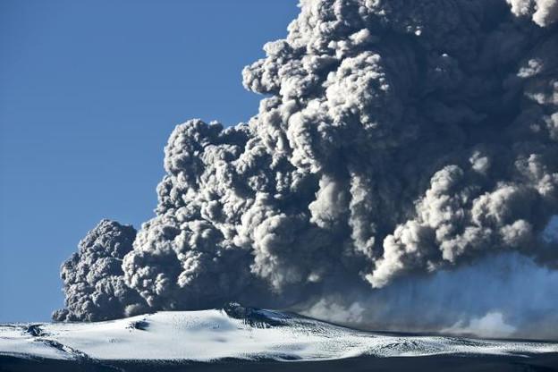 L'éruption du Eyjafjallajökull en 2010 a rendu célèbre ce volcan islandais par les désagréments causés aux voyageurs. C'est le genre de cause exceptionnelle qui pourra être invoquée. (Photo: Shutterstock)