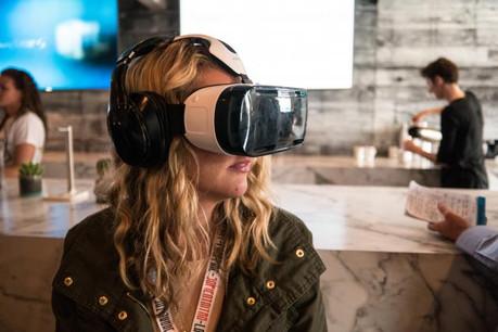 Sur un mode lounge qui mêle jeux, musique et bar, Sparkling VR propose plus de 16 expériences immersives. (Photo: Licence C.C.)