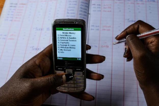 Doté d'une enveloppe de 100.000€ pour le gagnant, le Prix européen de la microfinance est une prestigieuse récompense annuelle qu'ambitionnent les prestataires de services financiers. (Photo: Martin Jumbe / UNCDF)