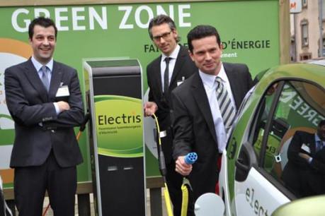 Pete Hoffmann, gérant d'Electris, Martin Wienands, chef de service d'Electris, Frédéric-Michael Foeteler, fondateur d'Estonteco (Photo : Estonteco)