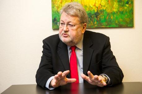 Pour l'ancien ministre socialiste, un pass pour les frontaliers sera inévitablement un échec, à l'image du «disque vert». (Photo: Charles Caratini / archives)