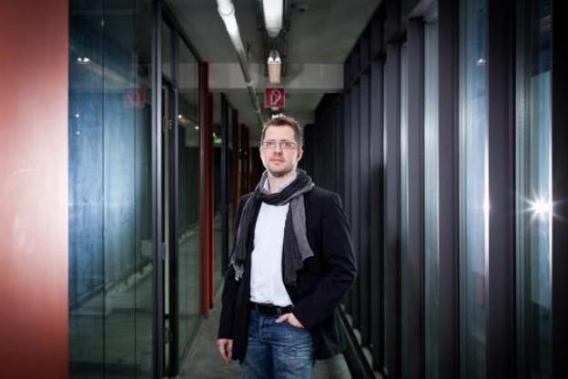 Depuis le Technoport, Fabrice Dewasmes (Neopixl) observe le marché. (Photo : Jessica Theis)