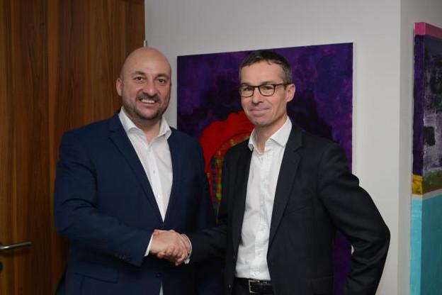 Le ministre de l'Économie, Étienne Schneider et Patrick Kersten, CEO de Doctena. (Photo: Doctena)